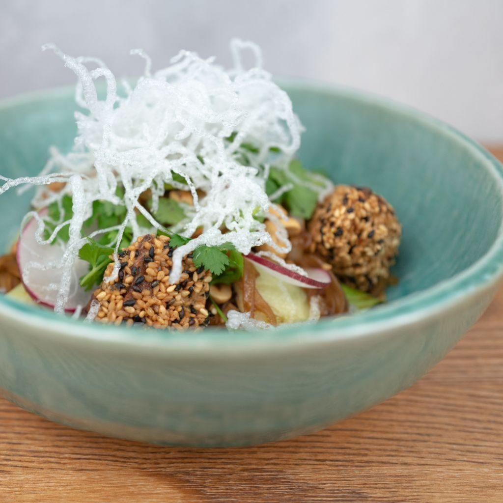Asijské rýžové nudle s tempehem